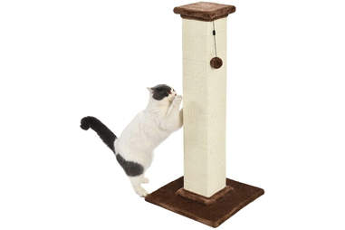 sturdy cat scratching post