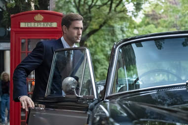 haunting of bly manor, Oliver Jackson-Cohen, cigarette