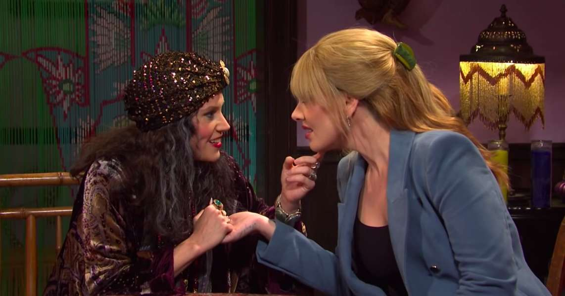 A Fortune Teller's 2020 Predictions Baffle 2019 Fortune Seekers on 'SNL'