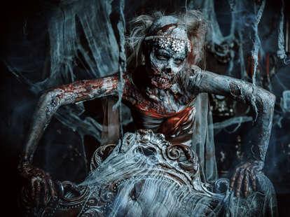 Horrorland zombie bride
