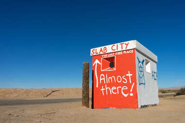 building marking the entry to slab city california