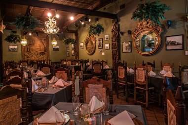 Javier's Gourmet Mexicano dinning room