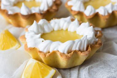 mini lemon cream pies