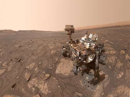 mars rover selfie red planet