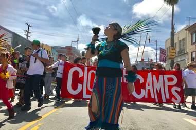 Mujeres Unidas y Activas march