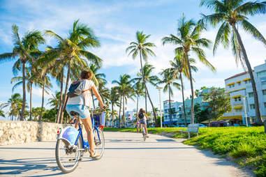 Ocean Drive promenade