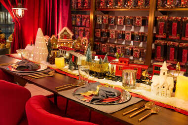 The dinner table at FAO Schwarz
