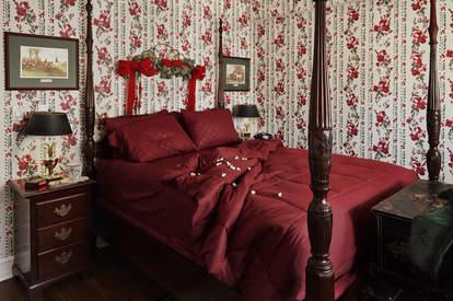 A replica Home Alone bedroom at the Graduate Hotel in Evanston, Illinois