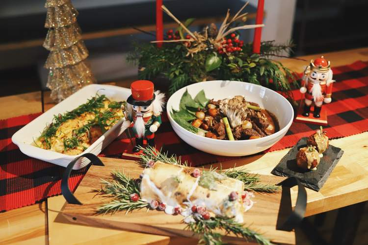 Christmas Dinner Seattle 2021 Seattle Restaurants Open On Christmas Day Where To Get Take Out Thrillist