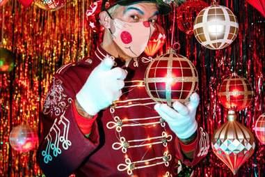 Frosty's pop-up Christmas bar elf