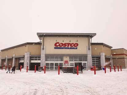 What S Open On Christmas Eve 2020 Stores Restaurants More Still Open Thrillist