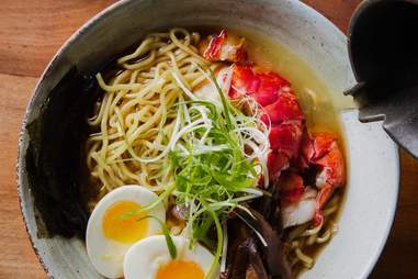 Hinoki & The Bird ramen