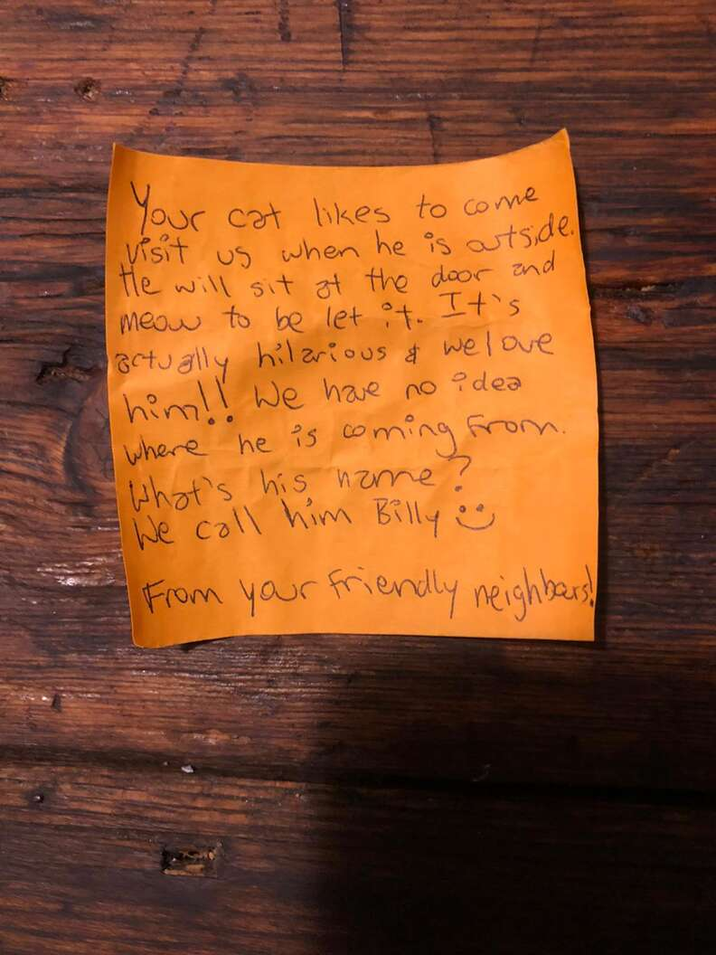 Cat delivers note from neighbors