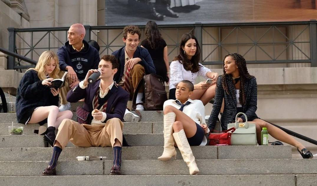 New Gossip Girl HBO Max Reboot: Release Date, Cast, News and More -  Thrillist