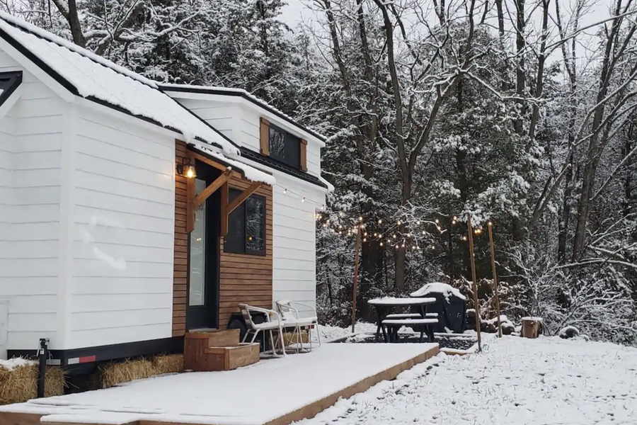 Cool Airbnbs Near DC To Book This Winter