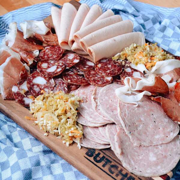 10 Mouthwatering Charcuterie Boards That Will Arrive Just in Time for the Super Bowl