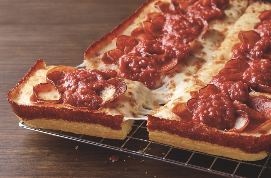 We Tried Pizza Hut's New Detroit-Style Pizza to See if It's Any Good