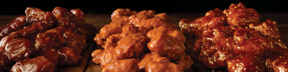 Applebee's Is Throwing 40 Free Buffalo Wings Into Orders for Your Super Bowl Party
