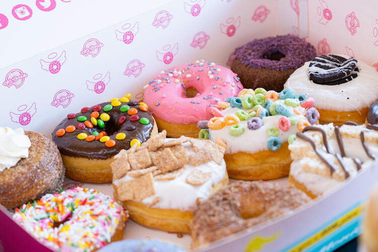 DK's Donuts and Bakery