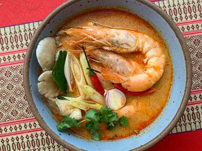 fish cheeks tom yum soup noodles recipe