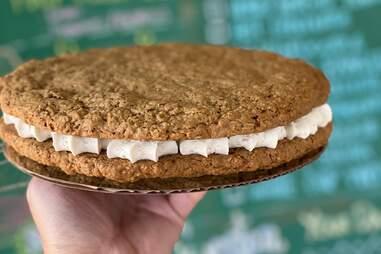 Kessler Baking Studio Oatmeal Cream Pie