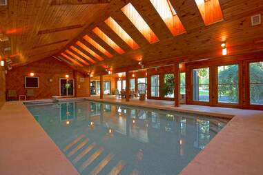 Best Airbnbs With Indoor Pools How To Rent Houses With Indoor Pools Thrillist