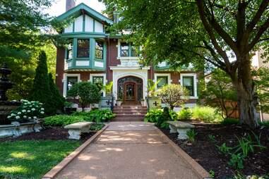 The Fleur-De-Lys Mansion