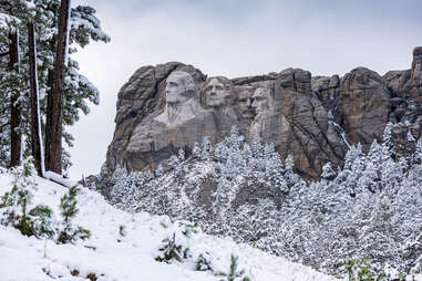 rushmore in the snow