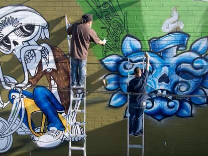 mural phoenix