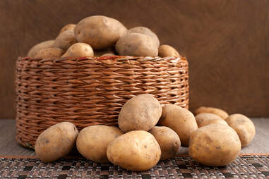 whole potatoes to make potato chips for snack