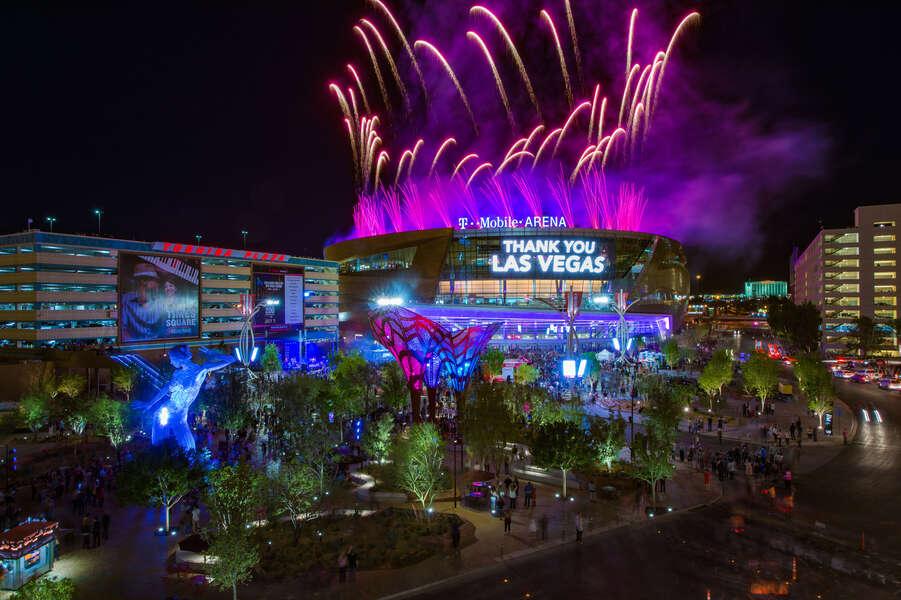 Explore Las Vegas - cover
