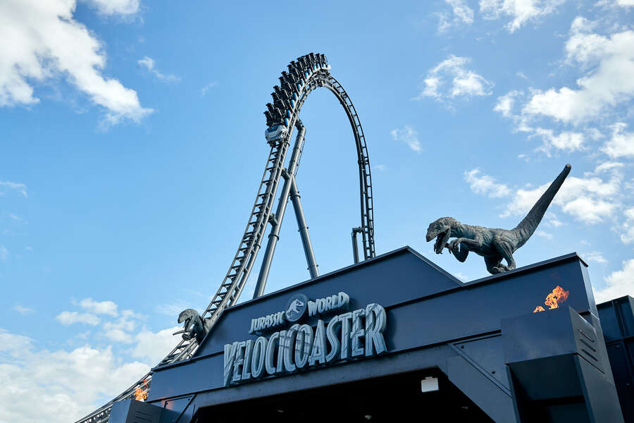 Universal Finally Shares When the Jurassic World VelociCoaster & Its Giant Drop Open