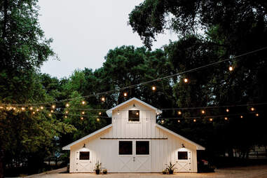 airbnb barns near me