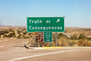 truth or consequences, new mexico sign