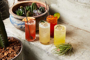 Seeyamañana's rotating cocktails