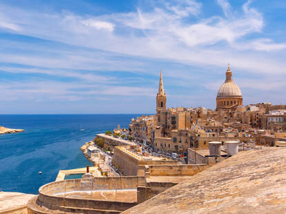 malta paying for hotels