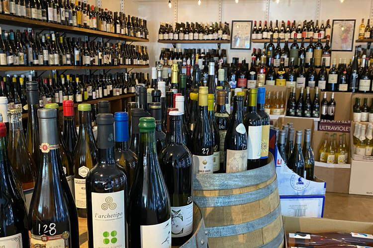 Vino Carta - Wine Shop & Bar
