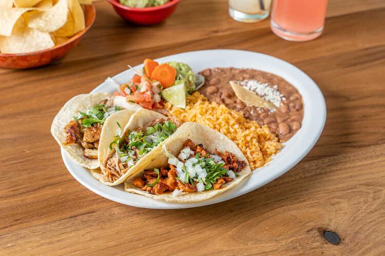 El Rinconcito Latino Restaurant & Cafeteria