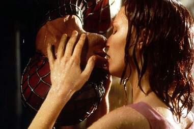 spider-man 2002, kirsten dunst, rain kiss