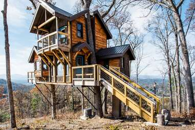 The Sanctuary Treehouse by Treehouses of Serenity
