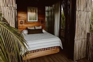 Acre Baja treehouse
