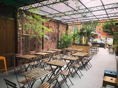 Santiago's Beer Garden