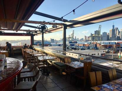 Alma Restaurant/ B61 Bar