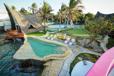 Matamba Island pool