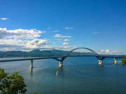Lake Champlain Bridge