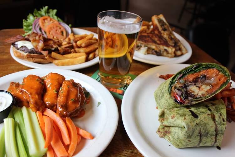 Cavanaugh's Restaurant & Sports Bar