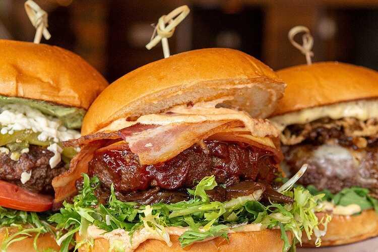 8oz Burger & Co.