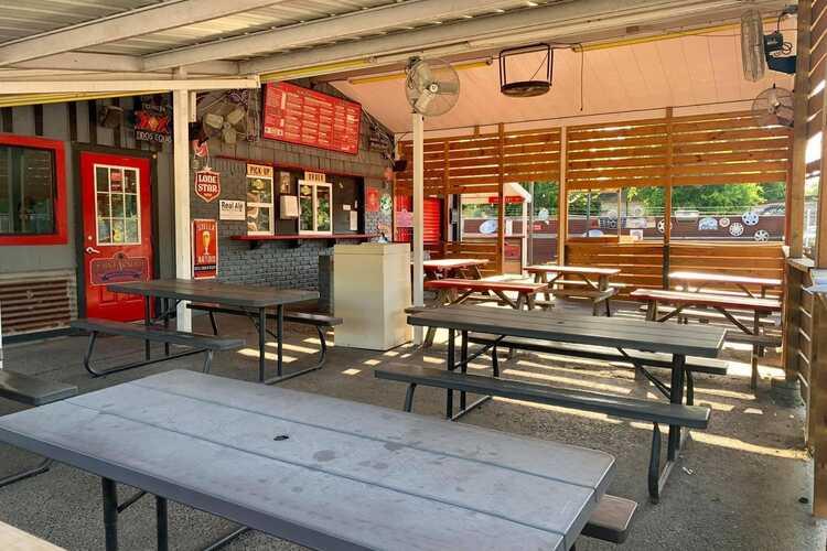 Hubcap Grill & Beer Yard