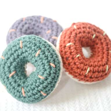 Simply Hooked Donut Cat Toy