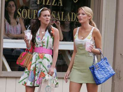 """Leighton Meester and Blake Lively on location for """"Gossip Girl"""""""